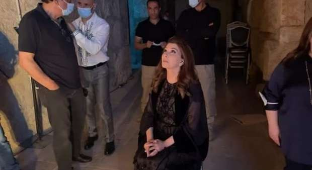 صورة فيديو| سقوط ماجدة الرومي على مسرح جرش بالأردن بعد تعرضها لإغماء مفاجئ