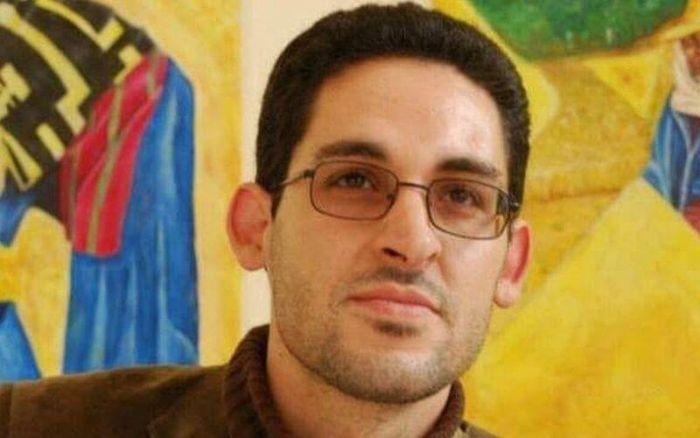 """صورة المعتقل السابق  لـ """"حراك الريف"""" كريم أمغار يفقد والديه وشقيقه وشقيقته بسبب """"كورونا"""""""