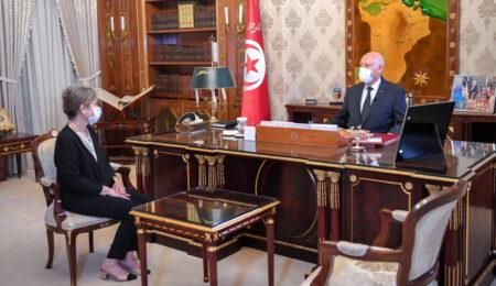 صورة سابقة في تاريخ تونس .. قيس سعيّد يكلّف إمرأة رئيسةً للحكومة
