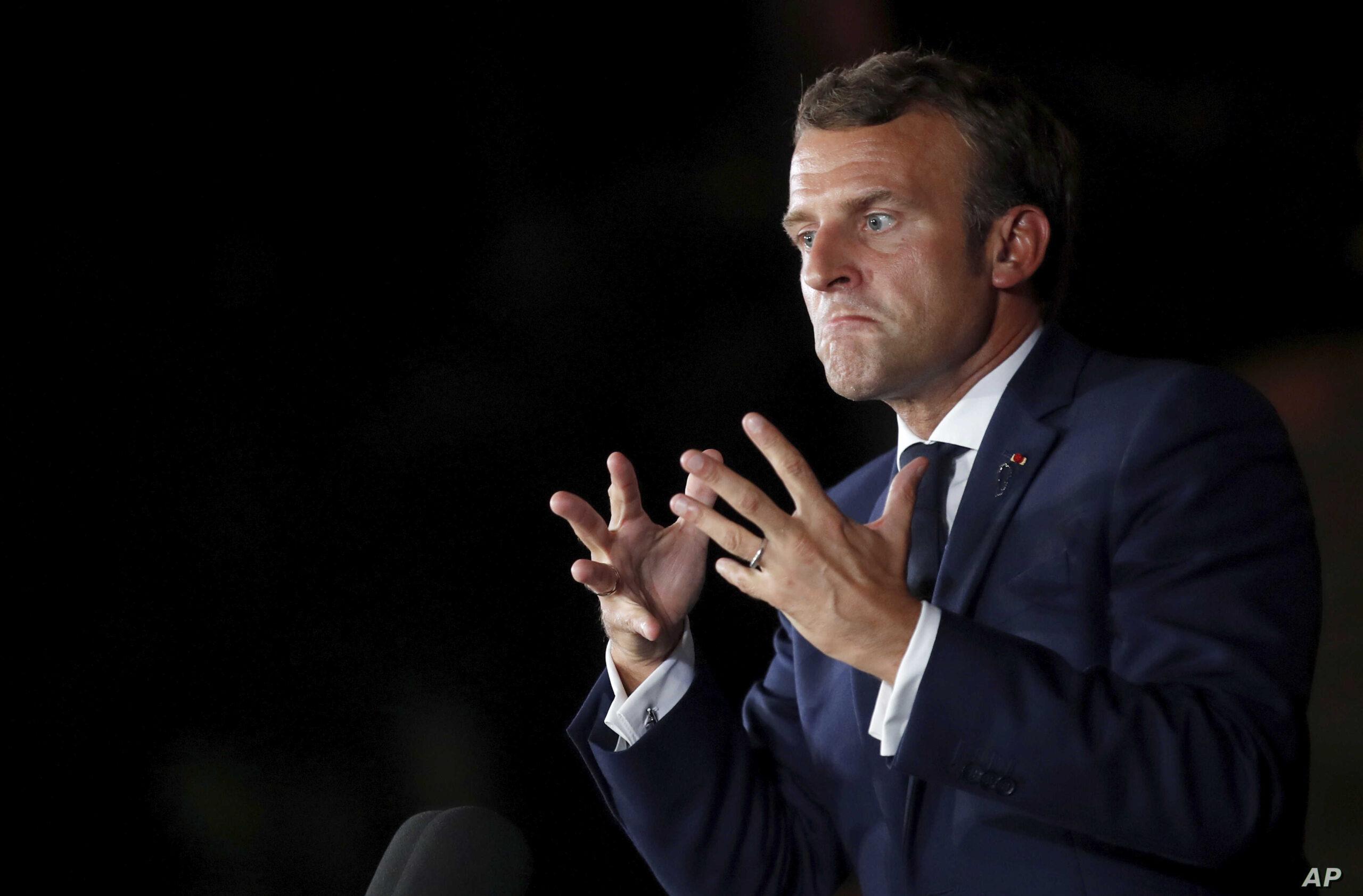 """صورة """"جون أفريك"""" : تقليص فرنسا تأشيرات المغاربة قرار انتقامي له أهداف انتخابية"""
