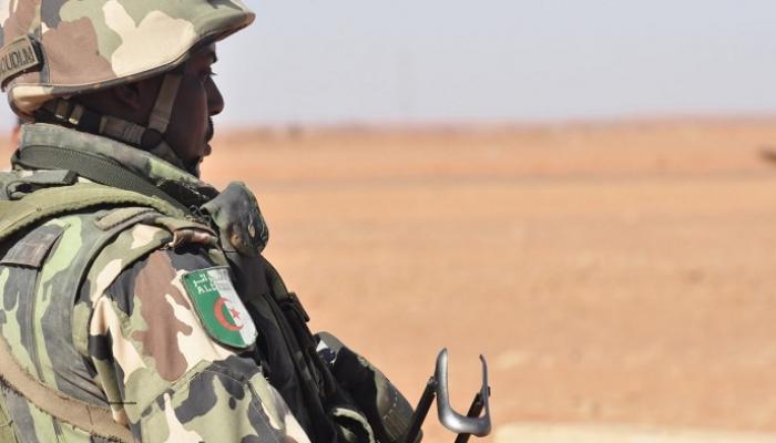 صورة الجزائر تعلن مقتل أحد جنودها بانفجار لغم على الحدود مع المغرب